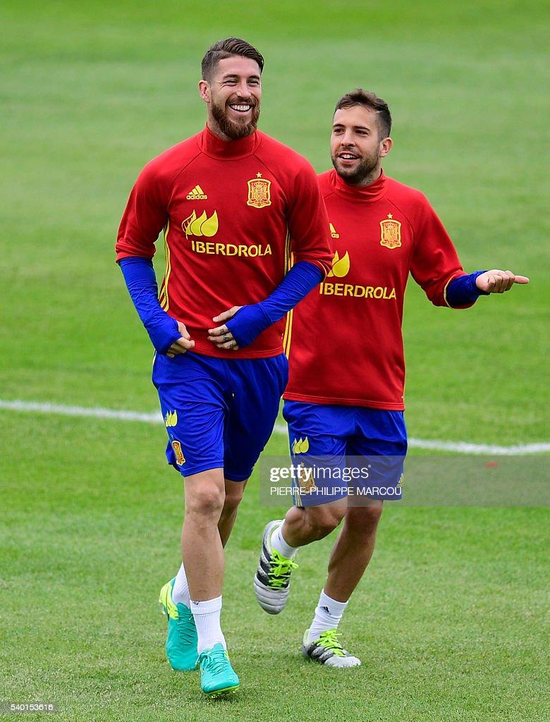 Spain s defender Sergio Ramos L and Spain s defender Jordi Alba