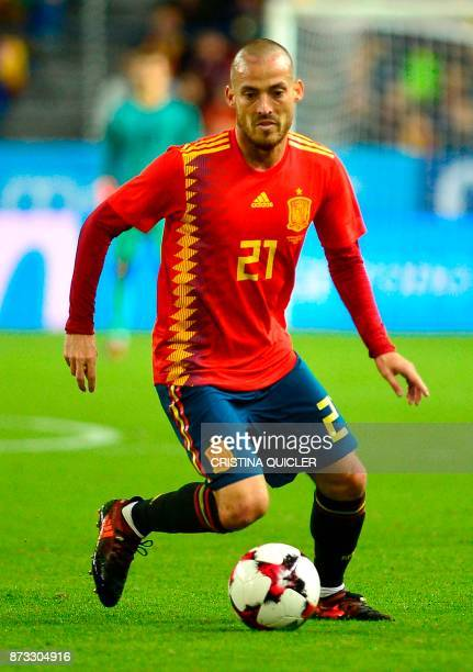 Spain's defender Spain's midfielder David Silva controls the ball during the international friendly football match Spain against Costa Rica at La...