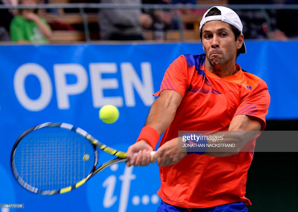Spain's Fernando Verdasco returns the ball to Croatia's Ivan Dodig during the ATP Stockholm Open tennis tournament on October 16, 2013 in Stockholm. AFP PHOTO/JONATHAN NACKSTRAND
