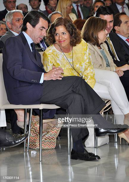 Spain's former prime minister Jose Maria Aznar and Ana Botella attend the press conference at Club Siglo XXI on June 10 2013 in Madrid Spain