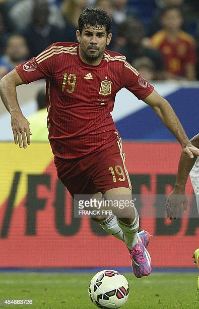 Spain's forward Diego Costa in action during the friendly football match France vs Spain on September 4 2014 at the Stade de France in SaintDenis...