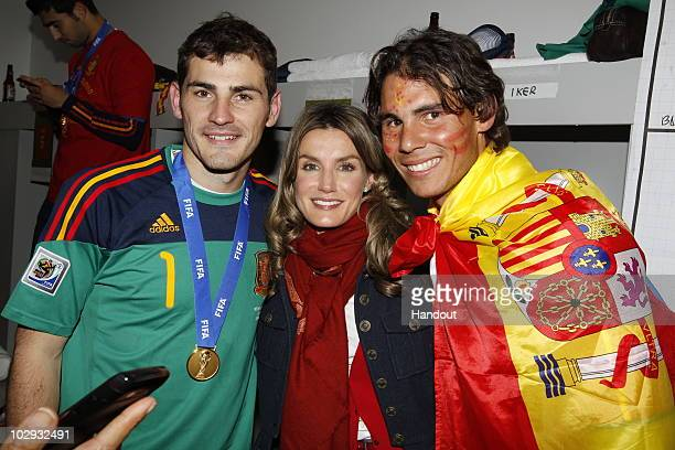 Spain´s goalkeeper Iker Casillas Spanish Princess Letizia and tennis player Rafa Nadal celebrates the victory in the Spanish dressing room after...