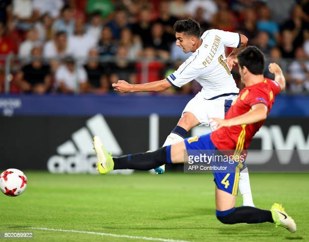 Spain's Jorge Mere and Italy's Lorenzo Pellegrini vie for the ball during the UEFA U21 European Championship football semi final match Spain v Italy...