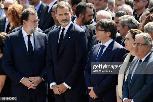 Spain's King Felipe VI Spanish Prime Minister Mariano Rajoy President of Catalonia Carles Puigdemont and Barcelona's mayor Ada Colau wait prior to...