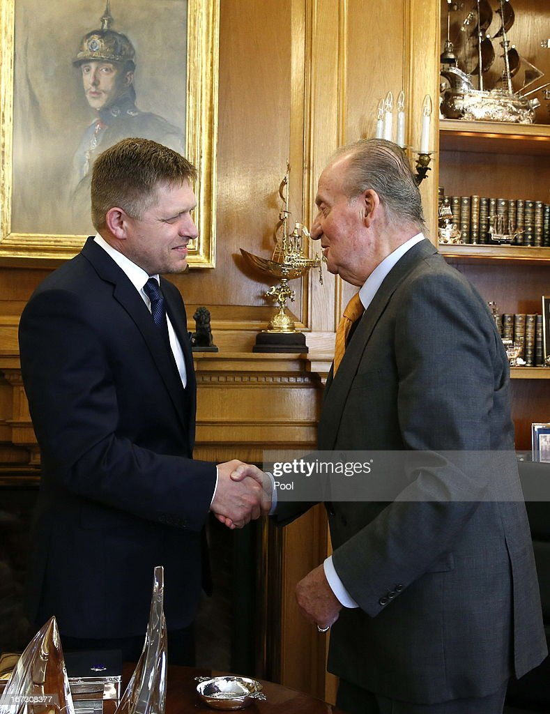 Spain's King Juan Carlos (R) meets with Slovakia's Prime Minister <a gi-track='captionPersonalityLinkClicked' href=/galleries/search?phrase=Robert+Fico&family=editorial&specificpeople=555594 ng-click='$event.stopPropagation()'>Robert Fico</a> (L) at the Zarzuela Palace in Madrid on April 23, 2013.