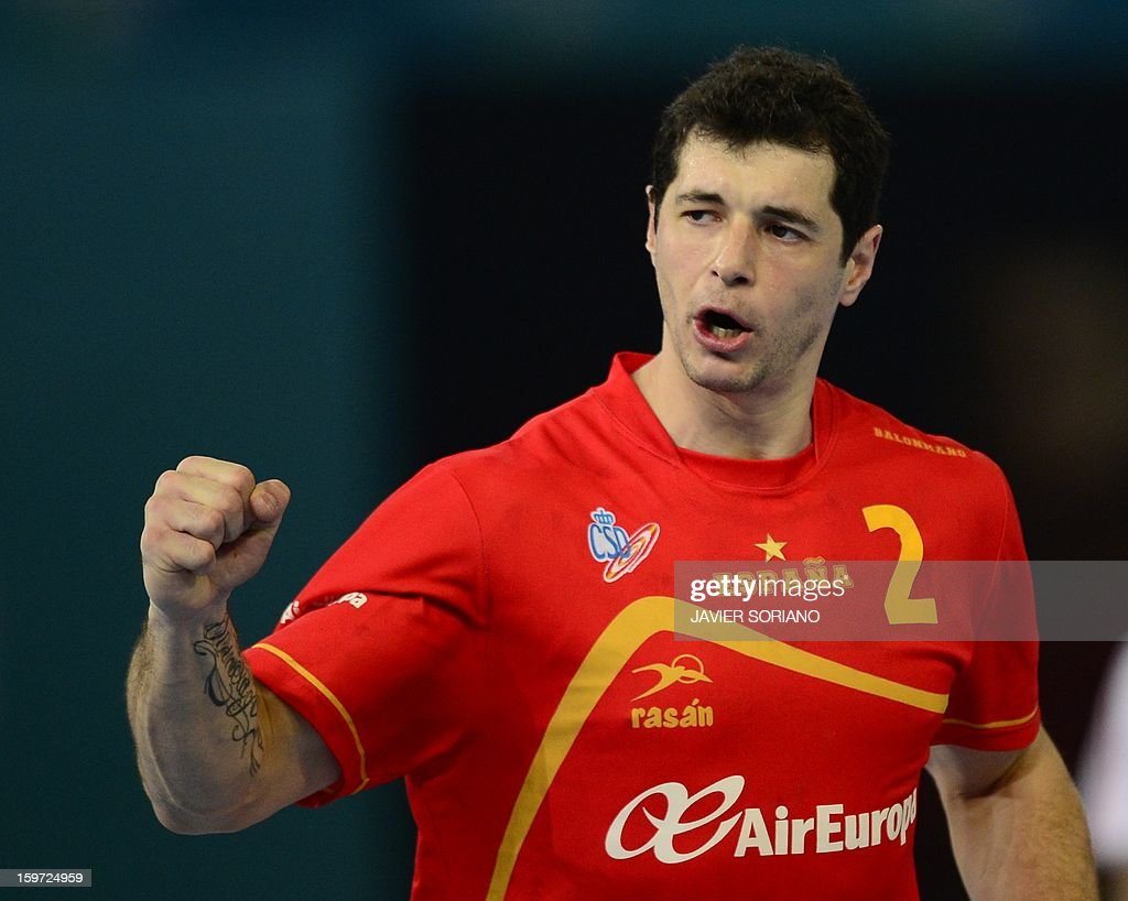 Spain's left back Alberto Enterrios celebrates after scoring a goal during the 23rd Men's Handball World Championships preliminary round Group D match Spain vs Croatia at the Caja Magica in Madrid on January 19, 2013. AFP PHOTO/ JAVIER SORIANO