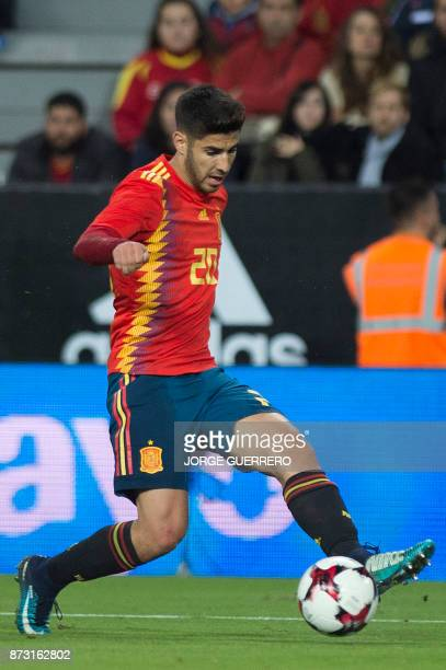Spain's midfielder Asensio controls the ball during the FIFA WC2018 friendly football match Spain against Costa Rica at La Rosaleda stadium in Malaga...
