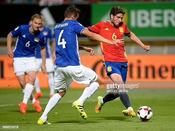 Spain's midfielder Sergi Roberto kicks the ball during the WC 2018 football qualification match between Spain and Liechtenstein at the Reyno de Leon...