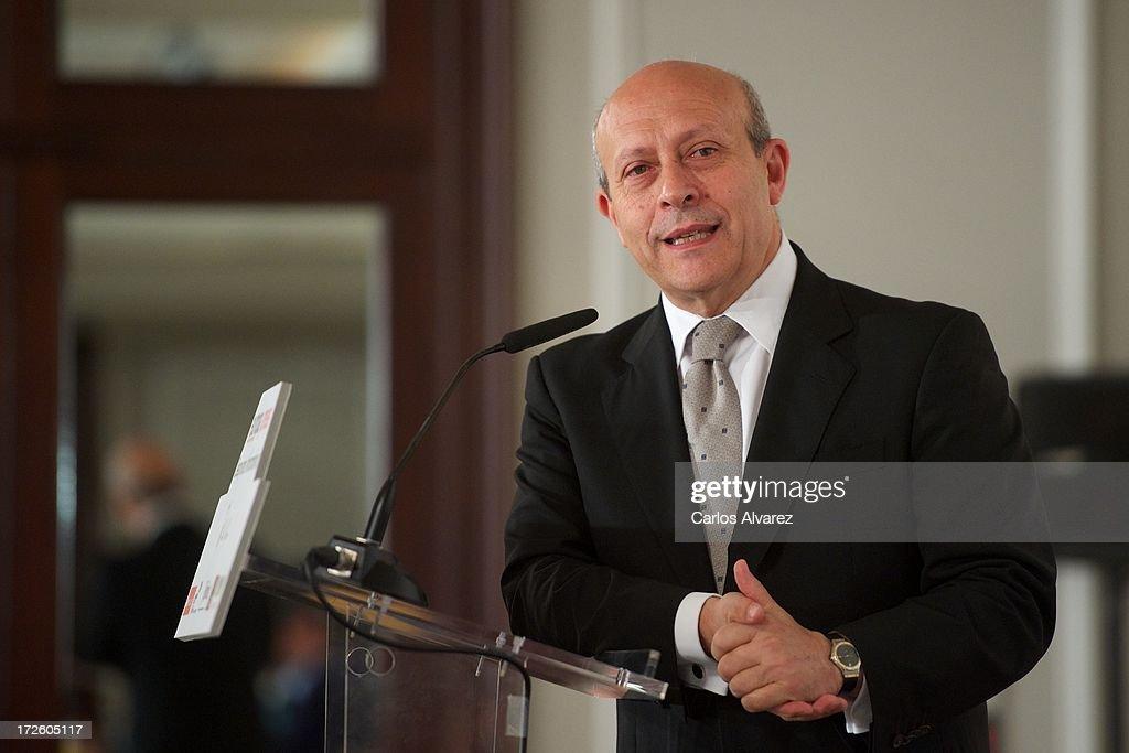 Jose Ignacio Wert Attends 'Los Desayunos de Europa Press'