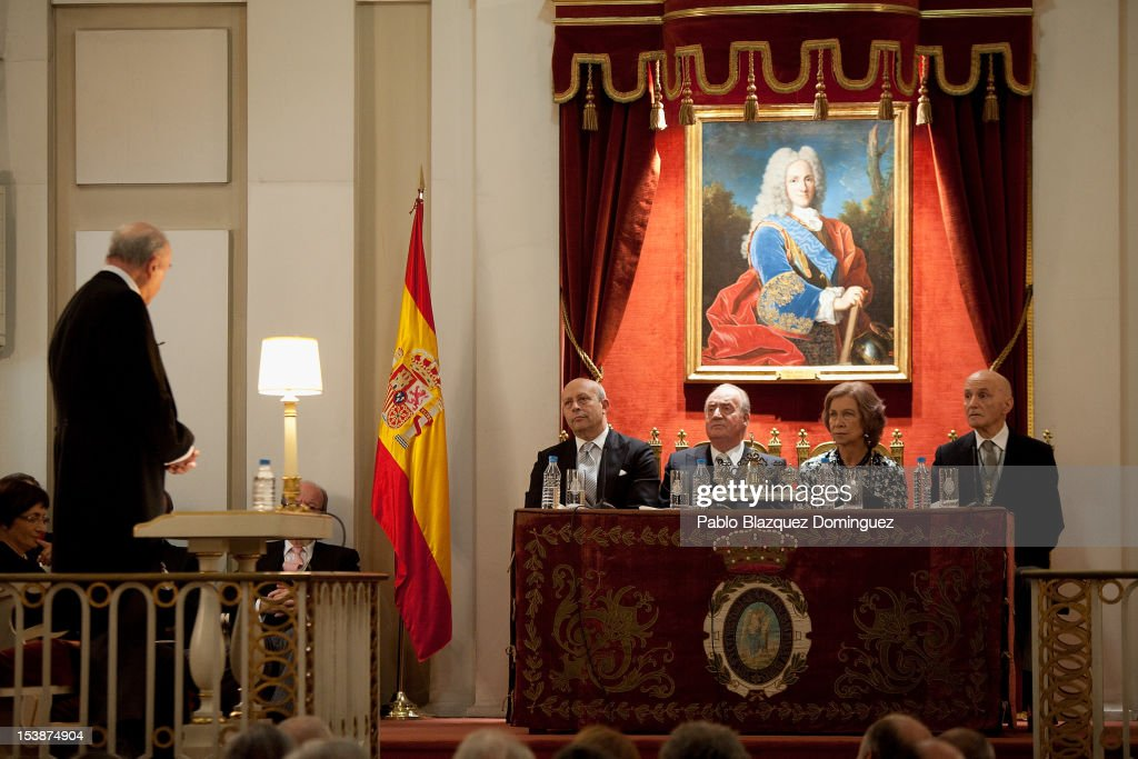 Spain's Minister of Education, Culture and Sport <a gi-track='captionPersonalityLinkClicked' href=/galleries/search?phrase=Jose+Ignacio+Wert&family=editorial&specificpeople=8761709 ng-click='$event.stopPropagation()'>Jose Ignacio Wert</a> Ortega, King Juan Carlos of Spain and <a gi-track='captionPersonalityLinkClicked' href=/galleries/search?phrase=Queen+Sofia+of+Spain&family=editorial&specificpeople=160333 ng-click='$event.stopPropagation()'>Queen Sofia of Spain</a> attend the Opening of Royal Academies on October 10, 2012 in Madrid, Spain.