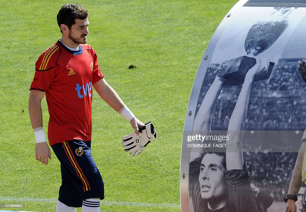 Spain's national football team goalkeeper Iker Casillas arrives for a training session on June 6, 2010 at the Sports City of Las Rozas, near Madrid. Spain is preparing for the June 11 to July 11 FIFA 2010 World Cup and will face Switzerland, Honduras and Chile in Group H of the opening round.