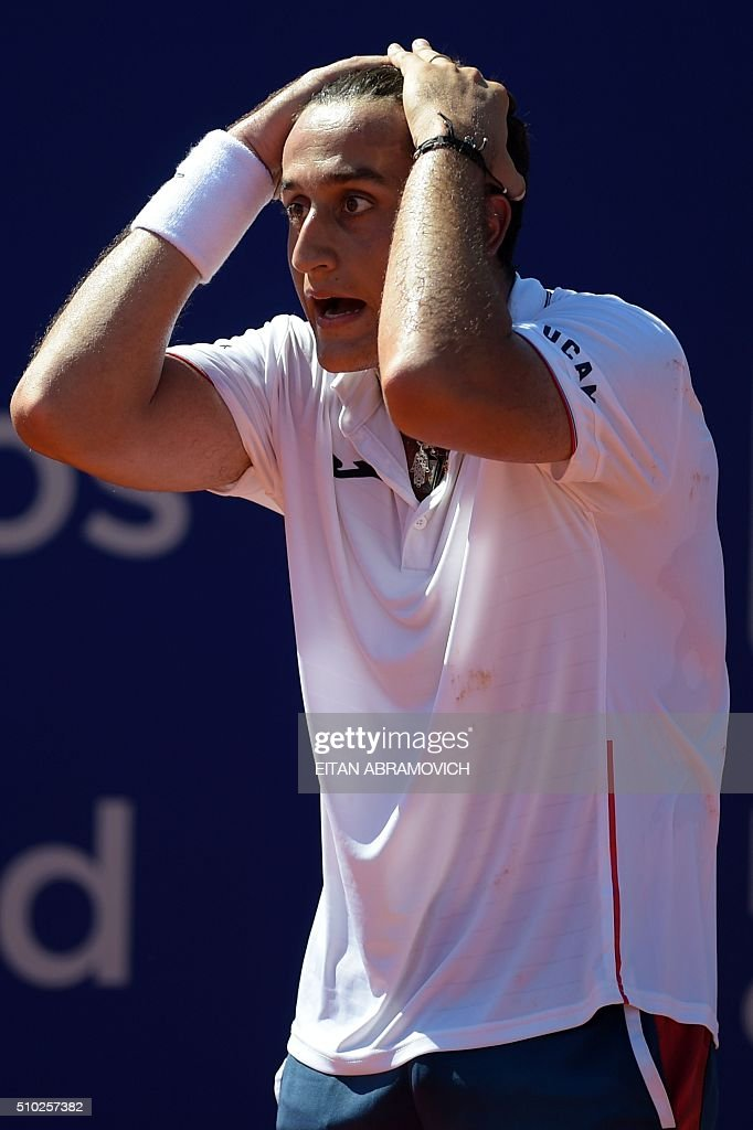 Spain's Nicolas Almagro reacts after losing a point against Austria's Dominic Thiem during their final tennis match at the ATP Argentina Open in Buenos Aires, Argentina, on February 14, 2016. Thiem won 6-7, 6-3, 7-6 during the ATP Argentina Open in Buenos Aires, Argentina, on February 14, 2016. AFP PHOTO/EITAN ABRAMOVICH / AFP / EITAN ABRAMOVICH