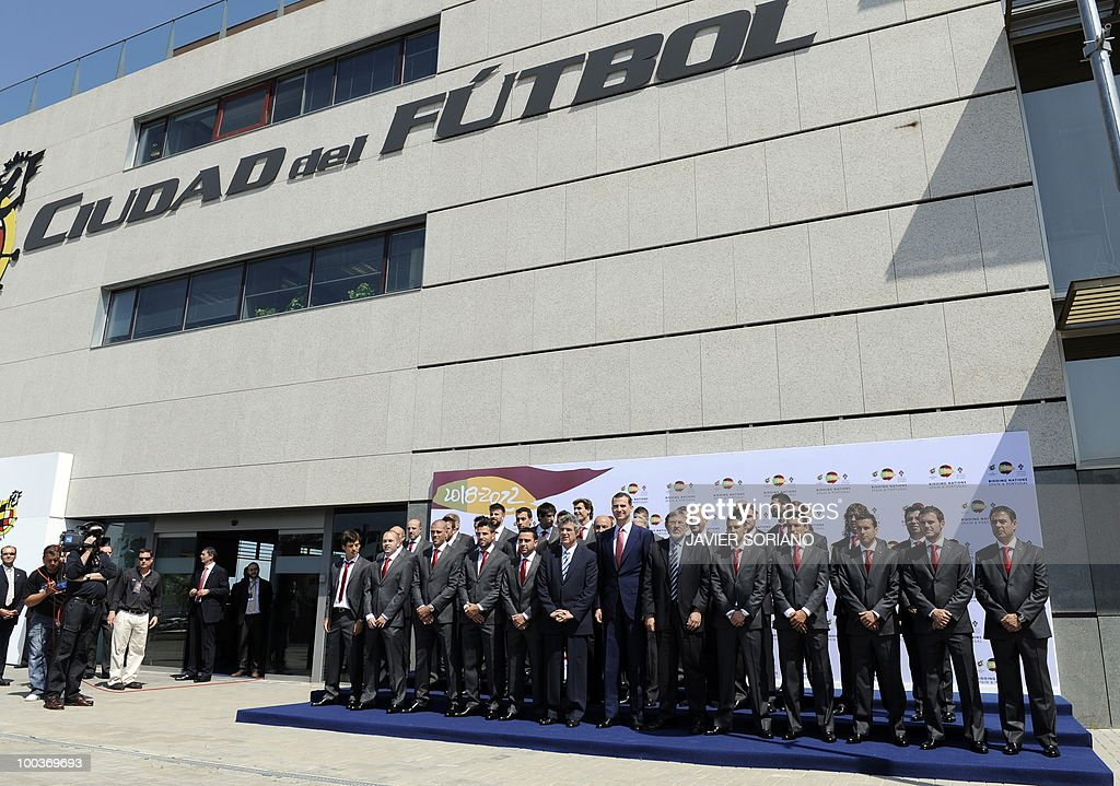 Spain's Prince Felipe (C) poses with the Spanish football team for group picture during the inauguration of Spanish Football Team museum on May 24, 2010 at the Sports City of Las Rozas, near Madrid. Spain, among the favourites for the World Cup, which runs from June 11-July 11, face Switzerland, Honduras and Chile in Group H of the opening round.
