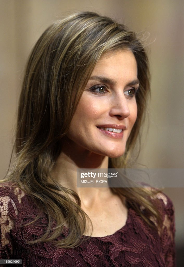 Spain's Princess Letizia smiles during an official audience to 2013 Prince of Asturias Awards laureates at the Reconquista Hotel of the northern Spanish city of Oviedo on October 25, 2013.