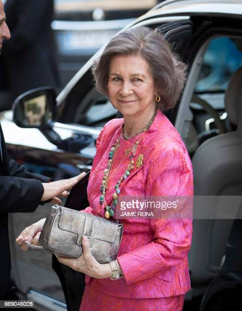 Spain's Queen Sofia poses before attending the traditional Mass of Resurrection in Palma de Mallorca on April 16 2017 / AFP PHOTO / JAIME REINA