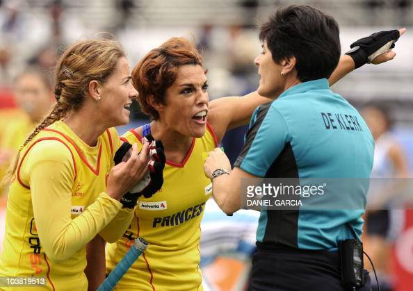 Spain 39 s silvia munoz l and captain nur pictures getty - Silvia munoz ...