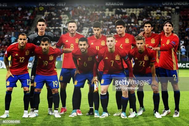 Spain's U21 team poses before the UEFA U21 European Championship football semi final match Spain v Italy in Krakow Poland on June 27 2017 / AFP PHOTO...