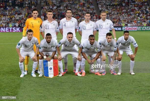 FUSSBALL EUROPAMEISTERSCHAFT Spanien Frankreich Teamphoto Frankreich hintere Reihe von links Torwart Hugo Lloris Laurent Koscielny Adil Rami Anthony...