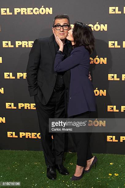 Spanish actor Andreu Buenafuente and wife actress Silvia Abril attend the 'El Pregon' premiere at the Capitol cinema on March 16 2016 in Madrid Spain