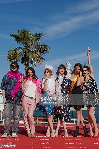Spanish actor Brays Efe director Manuela Moreno and Spanish actresses Celia de Molina Natalia de Molina Maria Hervas and Ursula Corbero attend 'Como...