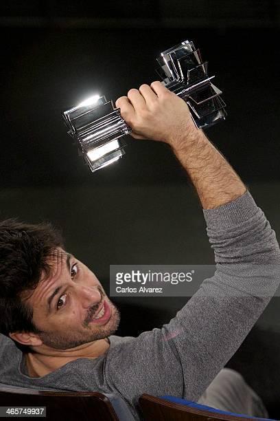 Spanish actor Hugo Silva receives the 'Carmen' Germaine de Capuccini award at the Academia de Cine on January 29 2014 in Madrid Spain