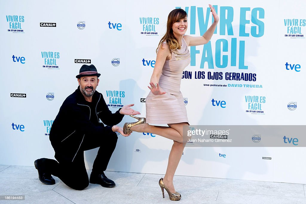 Spanish actor <a gi-track='captionPersonalityLinkClicked' href=/galleries/search?phrase=Javier+Camara&family=editorial&specificpeople=226631 ng-click='$event.stopPropagation()'>Javier Camara</a> (L) and Natalia de Molina (R) attend 'Vivir Es Facil Con Los Ojos Cerrados' photocall at Thyssen Bornemisza Museum on October 29, 2013 in Madrid, Spain.