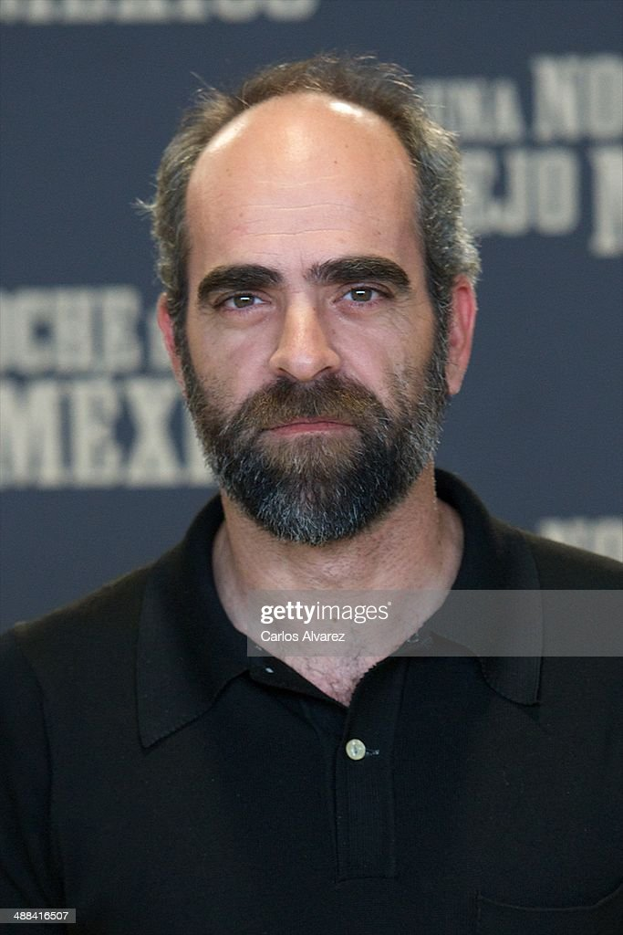 Spanish actor <a gi-track='captionPersonalityLinkClicked' href=/galleries/search?phrase=Luis+Tosar&family=editorial&specificpeople=3383932 ng-click='$event.stopPropagation()'>Luis Tosar</a> attends the 'A Night in Old Mexico' (Una Noche en el Viejo Mexico) photocall at the Telefonica Foundation on May 6, 2014 in Madrid, Spain