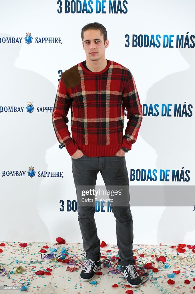 Spanish actor <a gi-track='captionPersonalityLinkClicked' href=/galleries/search?phrase=Martin+Rivas&family=editorial&specificpeople=2687913 ng-click='$event.stopPropagation()'>Martin Rivas</a> attends '3 Bodas de Mas' photocall at the Hesperia Hotel on December 3, 2013 in Madrid, Spain.