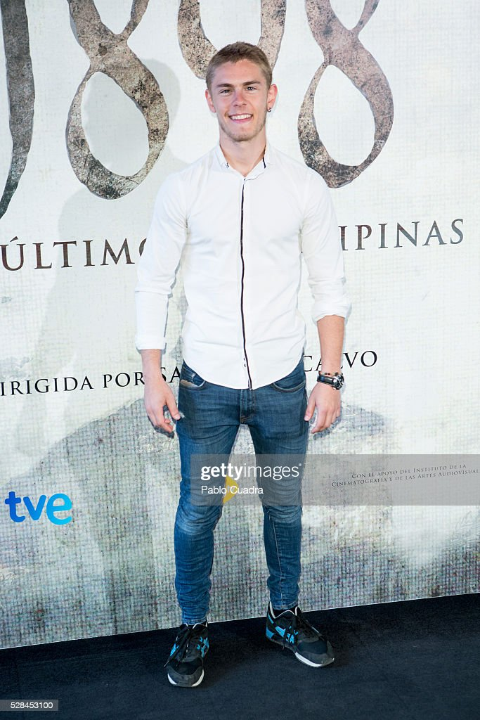 Spanish actor Patrick Criado attends the '1898 Los Ultimos De Filipinas' photocall at the Room Mate Hotel on May 05, 2016 in Madrid, Spain.