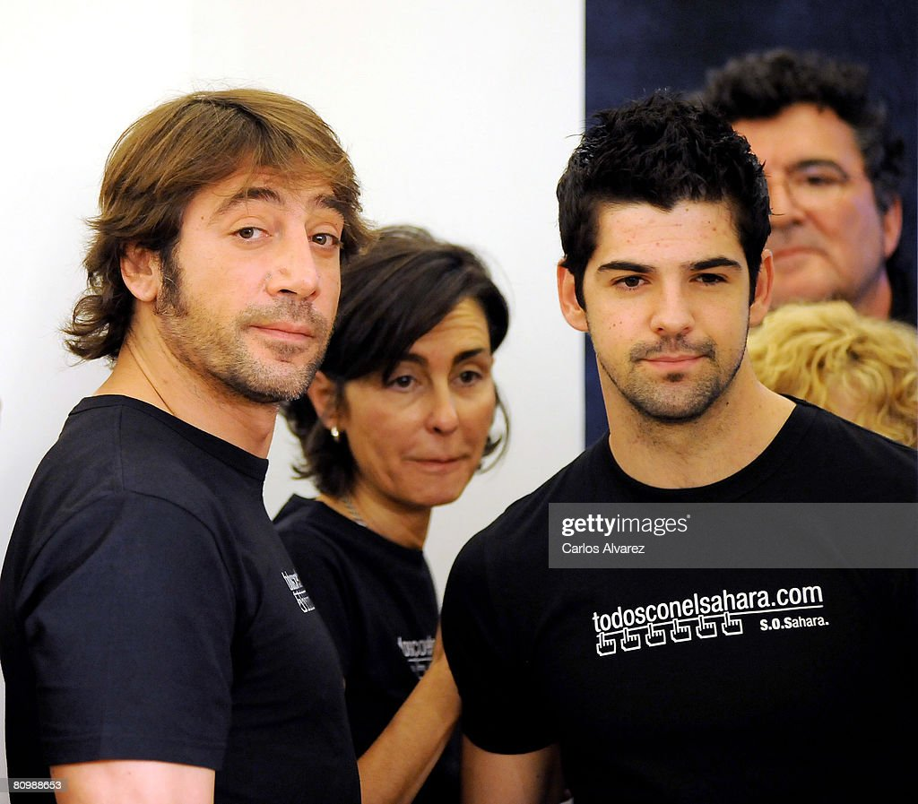 ¿Cuánto mide Miguel Ángel Muñoz? Spanish-actors-javier-bardem-and-miguel-angel-munoz-attend-the-to-picture-id80988653