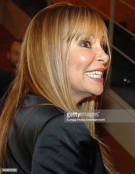 Spanish actress Ana Obregon attends the show 'Vivancos 7 hermanos' on December 21 2009 in Barcelona Spain