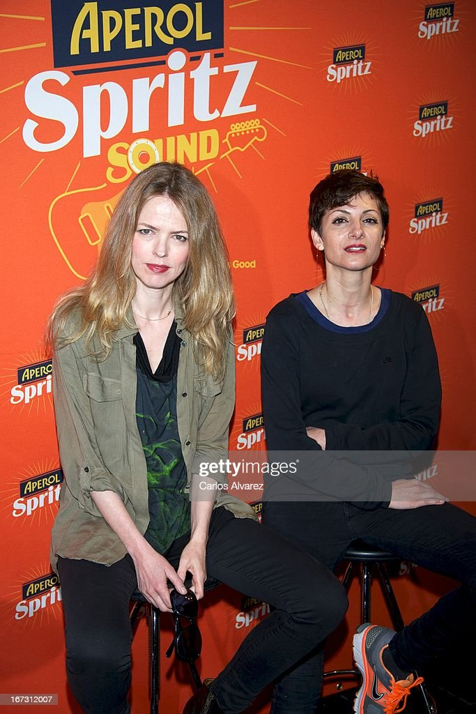 Spanish actress and singer Nawja Nimri (R) and Spanish singer <a gi-track='captionPersonalityLinkClicked' href=/galleries/search?phrase=Christina+Rosenvinge&family=editorial&specificpeople=6064189 ng-click='$event.stopPropagation()'>Christina Rosenvinge</a> (L) present 'Aperol Spritz Sound Agenda' at San Anton market on April 24, 2013 in Madrid, Spain.