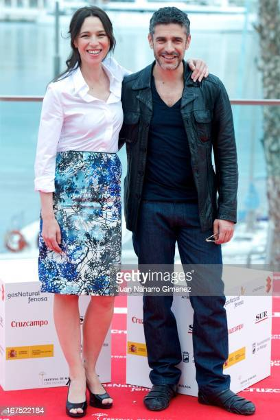 Spanish actress Ariadna Gil and Argentinian actor Leonardo Sbaraglia attend 'Sola Contigo' photocall during 16 Malaga Film Festival at Port on April...