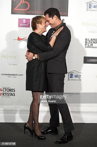 Spanish actress Blanca Portillo and Spanish actor Asier Etxeandia attend the Union de Actores awards 25th anniversary at the Circo Price on March 14...