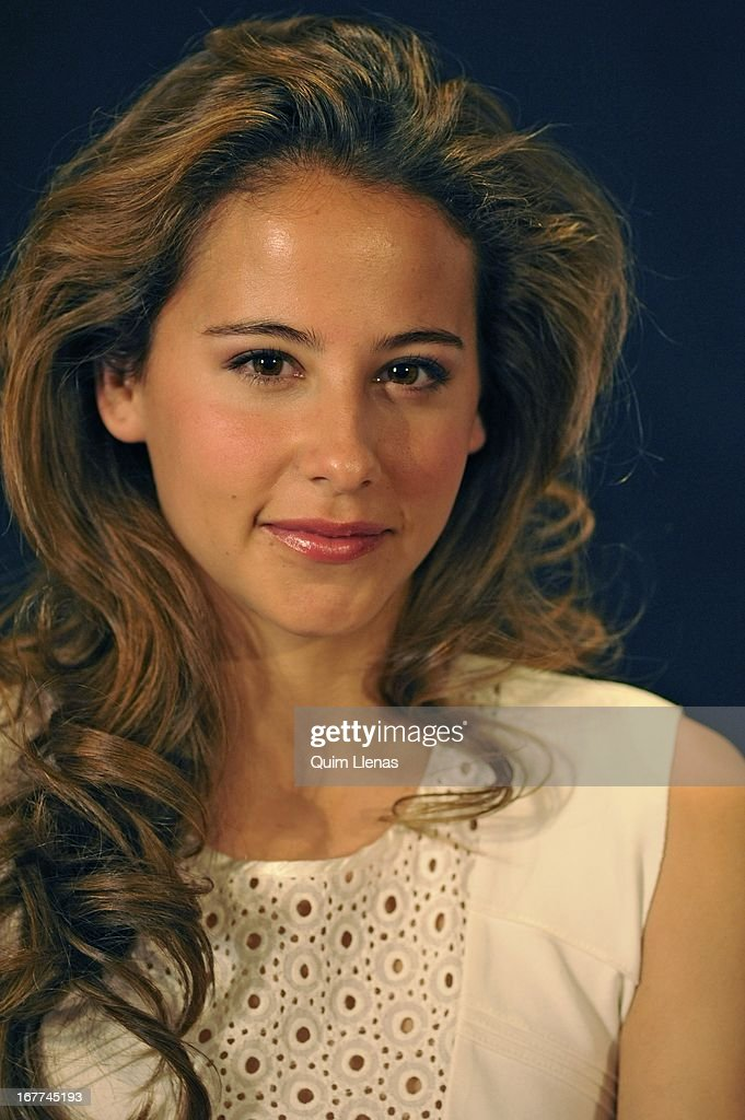 Spanish actress <a gi-track='captionPersonalityLinkClicked' href=/galleries/search?phrase=Irene+Escolar+-+Actress&family=editorial&specificpeople=4668702 ng-click='$event.stopPropagation()'>Irene Escolar</a> attends the press conference for 'La Chunga' play at Espanol Theatre on April 24, 2013 in Madrid, Spain.