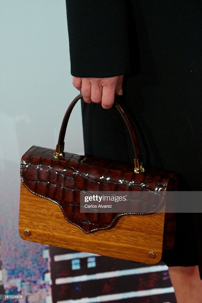Spanish actress Neus Asensi (bag detail) attends the 'Septimo' premiere at the Capitol cinema on November 5, 2013 in Madrid, Spain.