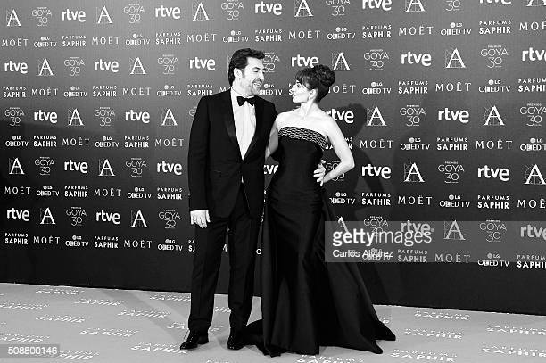 Spanish actress Penelope Cruz and husband actor Javier Bardem attend Goya Cinema Awards 2016 at Madrid Marriott Auditorium on February 6 2016 in...