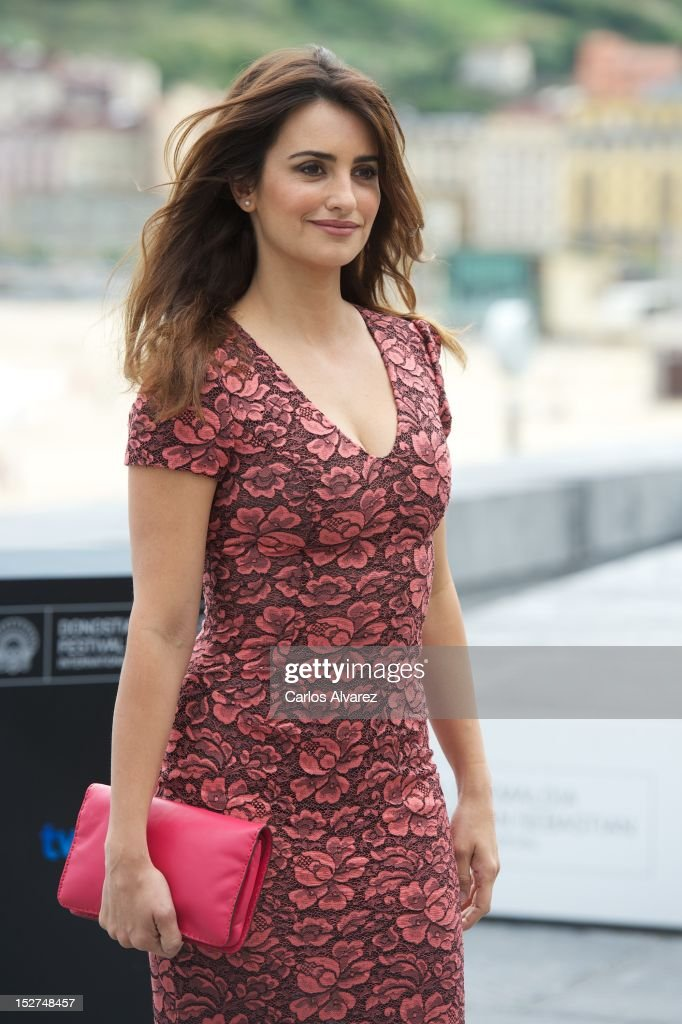 Spanish actress Penelope Cruz attends the 'Venuto al Mondo' (Volver A Nacer) photocall at the Kursaal Palace during the 60th San Sebastian International Film Festival on September 25, 2012 in San Sebastian, Spain.