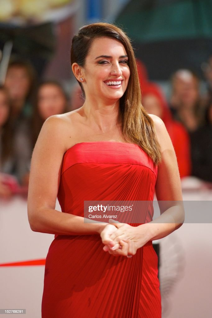 Spanish actress <a gi-track='captionPersonalityLinkClicked' href=/galleries/search?phrase=Penelope+Cruz&family=editorial&specificpeople=171775 ng-click='$event.stopPropagation()'>Penelope Cruz</a> attends the 'Venuto al Mondo' (Volver A Nacer) premiere at the Kursaal Palace during the 60th San Sebastian International Film Festival on September 25, 2012 in San Sebastian, Spain.