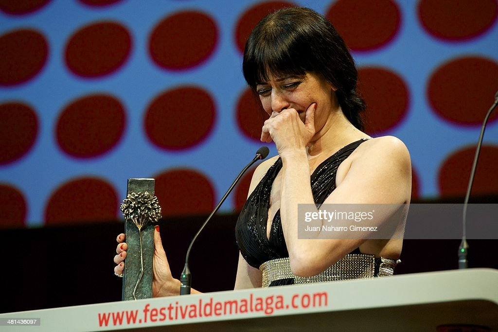 Spanish actress Yolanda Ramos receives the 'Biznaga' award as best supporting actress for her film 'Carmina y Amen' during the 17th Malaga Film Festival 2014 closing ceremony at the Cervantes Theater on March 29, 2014 in Malaga, Spain.