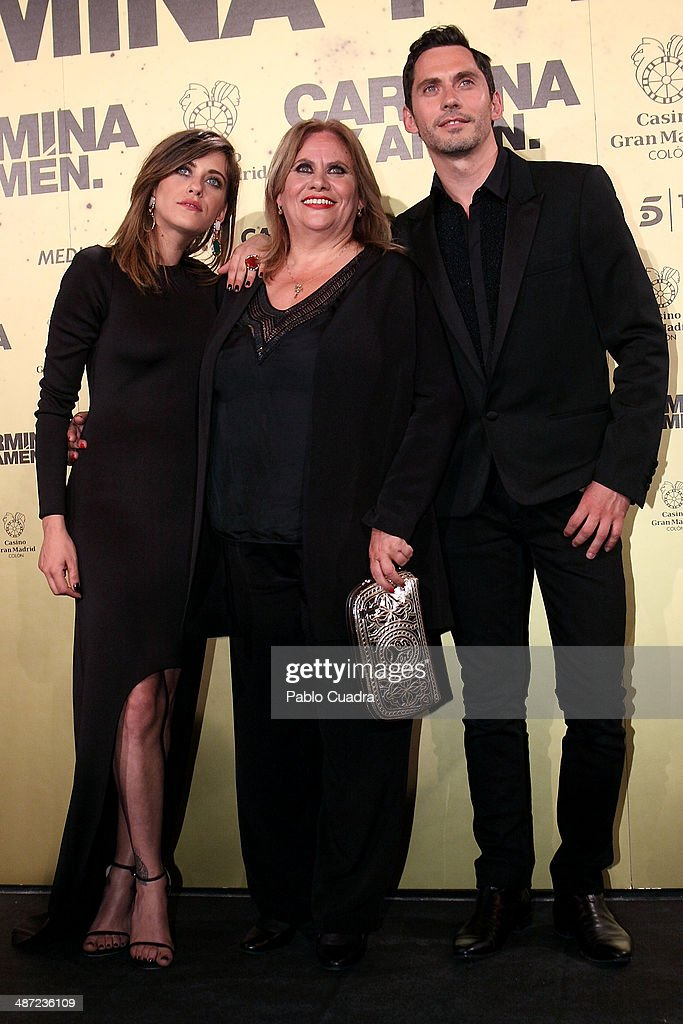 Spanish actresses Maria Leon, <a gi-track='captionPersonalityLinkClicked' href=/galleries/search?phrase=Carmina+Barrios&family=editorial&specificpeople=9160171 ng-click='$event.stopPropagation()'>Carmina Barrios</a> and Spanish actor Paco Leon attend the 'Carmina y Amen' premiere at the Callao cinema on April 28, 2014 in Madrid, Spain.