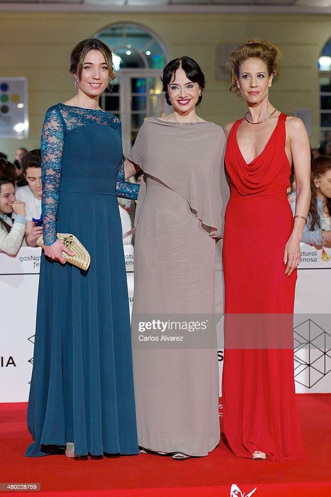 Spanish actresses (L-R) Susanna Pauw, Beatriz Rico and Monica Aragon attend the 'Amor en su Punto' premiere during the 17th Malaga Film Festival at the Cervantes Theater on March 23, 2014 in Malaga, Spain.