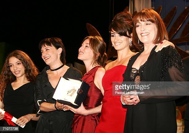 Spanish actresses Yohana Cobo Blanca Portillo Lola Duenas Penelope Cruz and Carmen Maura pose with the Best Performance By An Actress Award for...