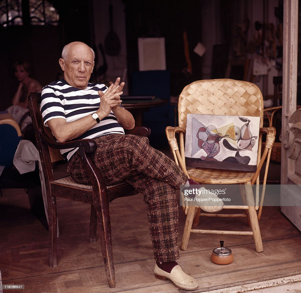 Spanish artist <a gi-track='captionPersonalityLinkClicked' href=/galleries/search?phrase=Pablo+Picasso&family=editorial&specificpeople=85469 ng-click='$event.stopPropagation()'>Pablo Picasso</a> at his home in Cannes, circa 1960.