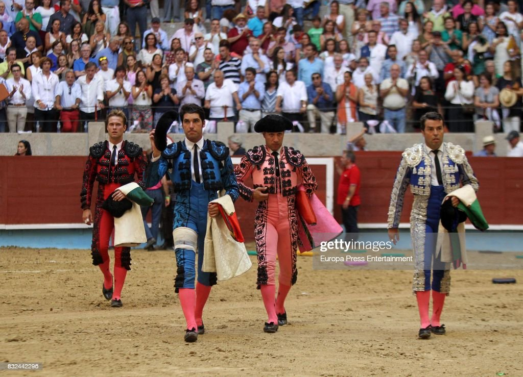 Spanish bullfighter Cayetano Rivera (2L) performs during a bullfighting as part of the La Peregrina Festival at Plaza de Pontevedra bullring on August 12, 2017 in Pontevedra, Spain.