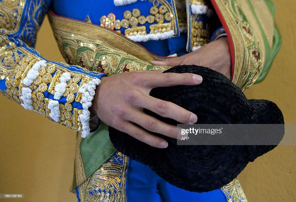 Spanish bullfighter Eduardo Gallo wait before his performment during a bullfight at La Macarena bullring on January 26, 2013 in Medellin, Antioquia deparment, Colombia. AFP PHOTO/Raul ARBOLEDA