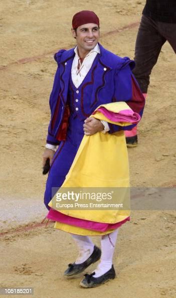 Spanish bullfighter Francisco Rivera is seen during the 'Corrida Pinzoniana' at Descubrimiento Bullring on October 10 2010 in Palos de la Frontera...