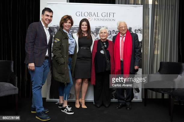 Spanish chef Ramon Freixa Belinda Washington Hazel Gormley Leahy Angela Navarro and Angel Garcia 'Padre Angel' attend the 'Global Gift Gala' Madrid...