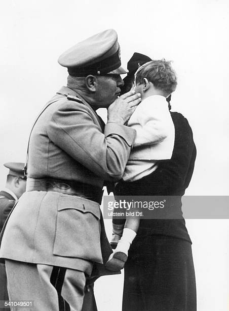 Spanish Civil War Benito Mussolini *29071883 Politician Italy 19251943/45 dictator of Italy with the bereaved of pilots who fell in the Spanish Civil...