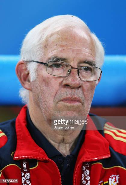 Spanish coach Luis Aragones prior to the UEFA EURO 2008 Semi Final match between Russia and Spain at Ernst Happel Stadion on June 26 2008 in Vienna...